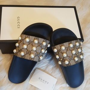 NWOT GUCCI SUPREME  SLIDES WITH PEARLS